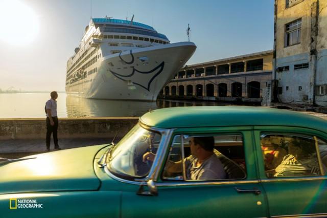 キューバに40年ぶりに米国のクルーズ船が入港