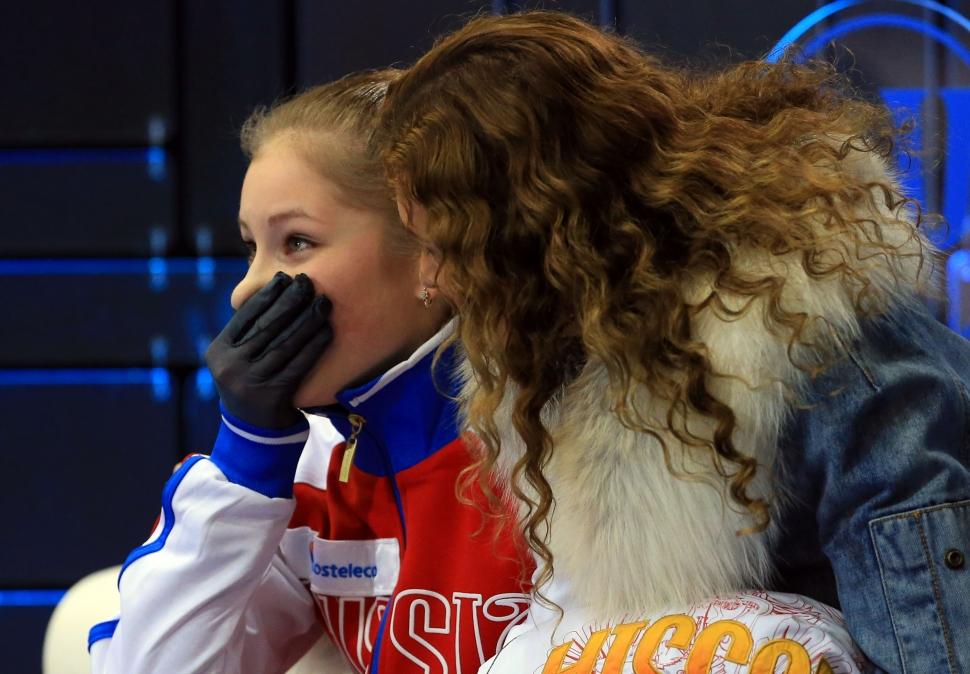 驚いた表情をみせるリプニツカヤ スケートカナダでGPシリーズ初優勝を飾ったロシアのユリア・リプニ