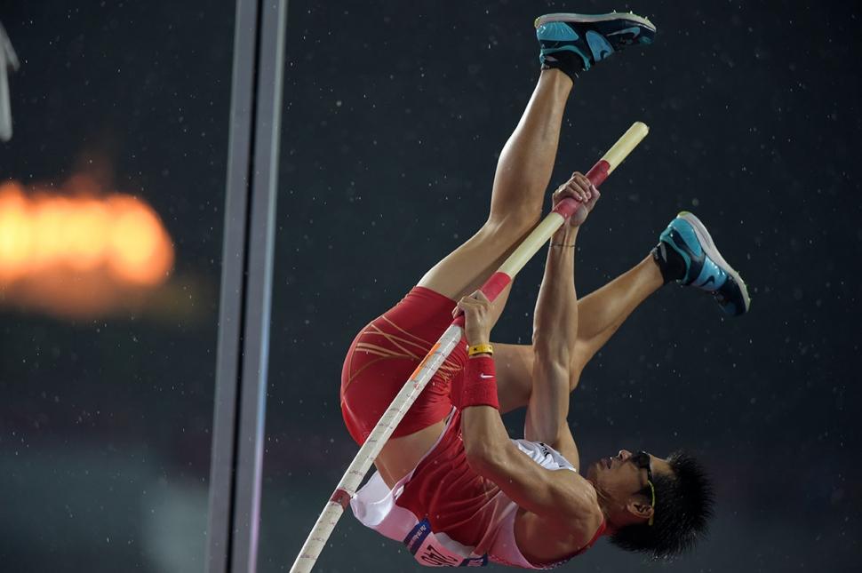 澤野大地 銀メダル獲得  澤野がアジア大会棒高跳びで銀メダルを獲得した (Photo by Ts