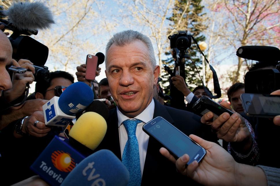 裁判所に出廷したハビエル・アギーレ氏 バレンシア裁判所に出廷したハビエル・アギーレ氏 (Phot