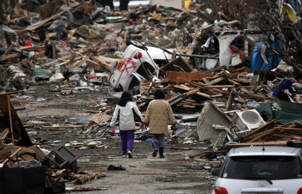 東日本大震災 : 今すぐ準備!震災グッズに追加しておくと超万能な「台所のアレ」とは? - NAVER まとめ