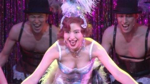 長澤まさみ、キャバレー歌姫の大胆衣装 初ミュージカルに「幸せ」