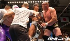 藤田和之とスーパー・タイガーはベルトを巡って試合後に乱闘を繰り広げた