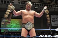 諏訪魔は三冠ヘビー級王座+世界タッグ王座の五冠王を達成