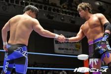 横須賀ススムと佐藤光留はDRAGON GATEで世界ジュニア王座戦を行う
