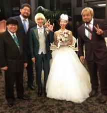 結婚式に参列した石川と征矢