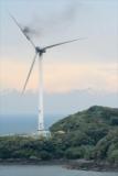 風力発電の風車から黒煙と火、羽根の一部燃え落ちる 佐賀