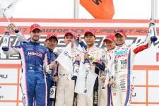 2017年の開幕戦はLC500が表彰台を独占した