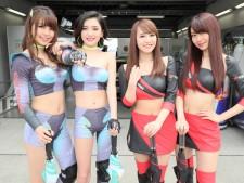 左から、蒼井彩加(SYNTIUM CoolTech Monsters)、愛川アヤノ(SYNTIUM CoolTech Monsters)、山本愛美(2017 ADVAN GAL)、愛聖りさ(2017 ADVAN GAL)