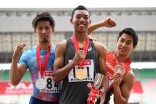 200mで表彰台に上がったサニブラウン・ハキーム(中央)と飯塚翔太(右)は個人、藤光謙司(左)はリレー要員として選出された