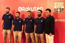 パートナー契約の記者会見のために来日したバルセロナの4選手と三木谷氏 photo by Tanaka Wataru