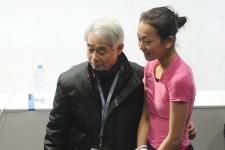 1942年1月3日生まれ。現役時代は全日本選手権10連覇、60年スコーバレー五輪、64年インスブルック五輪に出場。その後コーチとなり、荒川静香、安藤美姫、村主枝章、小塚崇彦、浅田真央らを指導してきた