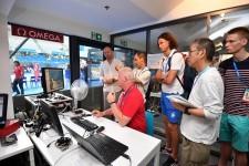 世界水泳で100分の1秒の計時を支えるオメガのハイテクシステム