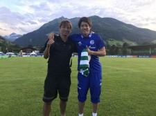 キャンプ地でのプレシーズンマッチで再会した内田篤人と乾貴士