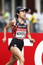 女子マラソン、日本は入賞ゼロの屈辱。「遅くても強い」米国との違い