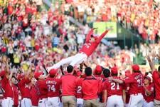 阪神を3−2で下し、37年ぶりのリーグ連覇を達成した広島