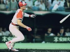 強肩・強打の外野手として活躍した中根仁だが、イップスのことは誰にも言わなかったという