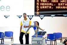 100m背泳ぎで金メダルを獲得した14歳の浦田愛美