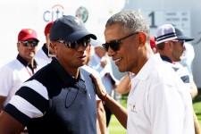 この年明けに、一緒にラウンドしたウッズ(左)とオバマ氏