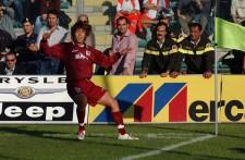 2002年、横浜F・マリノスからレッジーナに移籍した中村俊輔