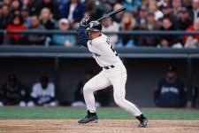 メジャー1年目の2001年、首位打者、盗塁王に輝き、新人王、MVPを獲得したイチロー