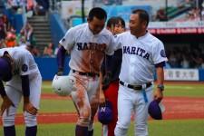 昨年夏、東千葉大会決勝で敗れ、涙を流す田宮裕涼(写真中央)