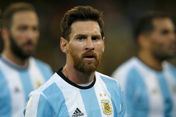 メッシに頼り切りになるな アルゼンチン代表W杯制覇へ会長がピシャリ「彼1人では優勝できない」