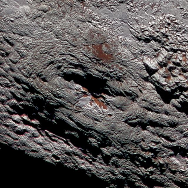 冥王星の氷火山らしき地形のライト山