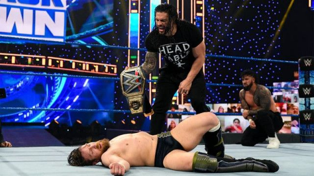 【WWE】王者レインズが王座挑戦権を逃したブライアンをギロチンKO