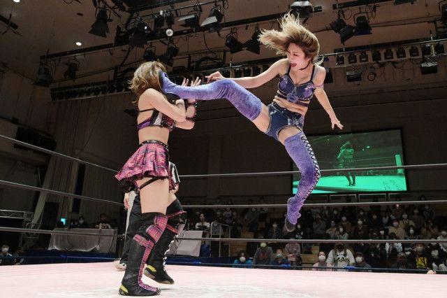 【東京女子】上福ゆきが角田奈穂を破り、IP王座V3に成功!「普通普通って思ってたけど、実は普通じゃない女だなって!」
