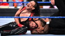 【WWE】中邑が「ザ・ライジング・サン」で登場してジェイに報復&王者レインズに宣戦布告!
