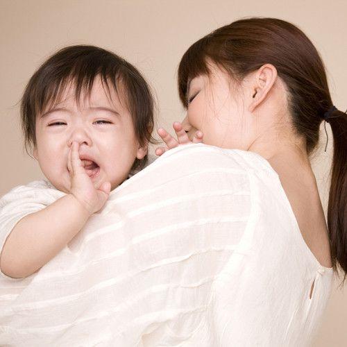 赤ちゃんの夜泣きが止まらない…どうしたら? 10〜15分離れてみる