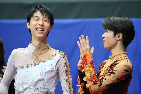 笑顔の羽生と町田/全日本フィギュアスケート選手権