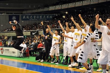 高校バスケ男子 延岡学園3冠達成