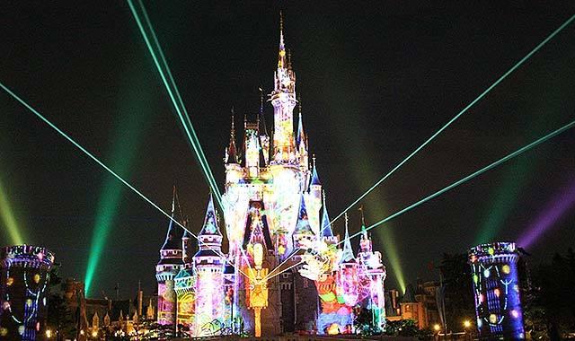 東京ディズニーランド、Xマスイベント公開=シンデレラ城新映像ショー、7物語のパレード