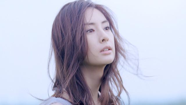 北川景子、「大人の上品な美しさ」を表現
