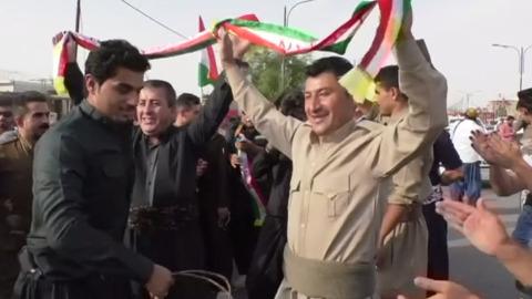 イラク北部で撤退続けるクルド人部隊、独立投票の代償高く(字幕・17日)