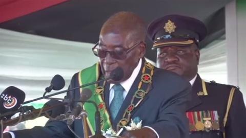 ムガベ大統領の弾劾手続き、21日開始へ