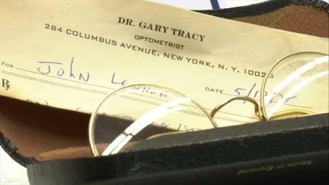 ジョン・レノンさんの遺品見つかる、手帳に射殺当日の記載