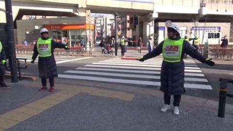 地元ボランティアと警察官が連携、東京・世田谷区で防災訓練
