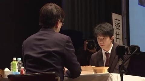 藤井五段と羽生竜王、公式戦で初対局