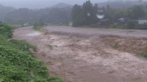 新潟県内は午後再び雨強まる見込み、警戒を