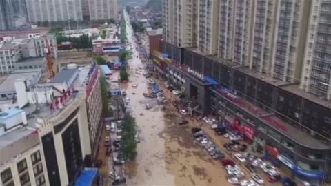 中国・陝西省で洪水、地元政府が避難呼びかけ