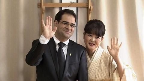 """""""会って1週間""""の婚約会見"""