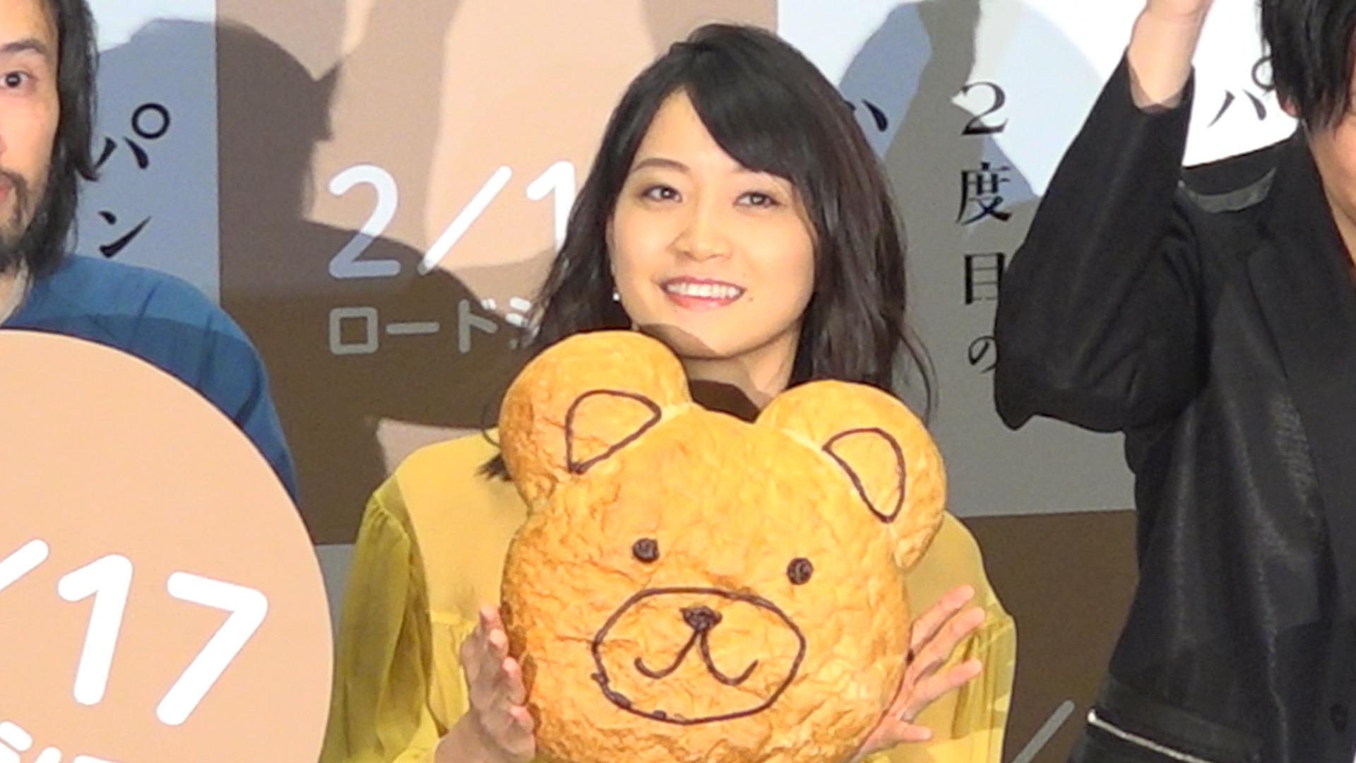 深川麻衣が映画『パンとバスと2度目のハツコイ』完成披露舞台挨拶に登場!